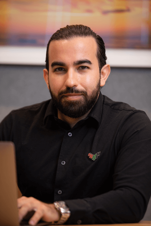 Babak Ahmadzadeh, Plug and Play